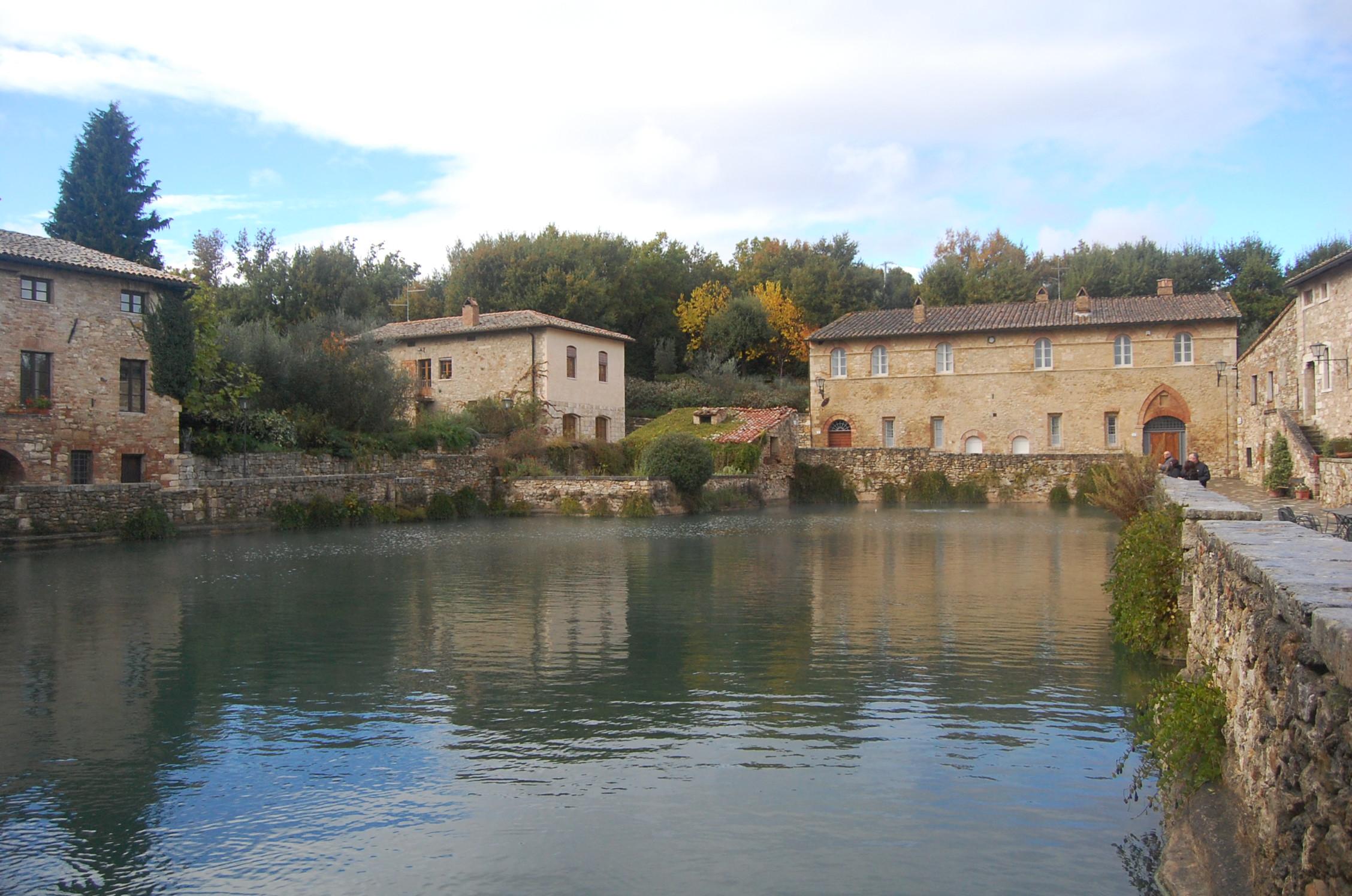 Exploring tuscany bagno vignoni an american in rome - Hotel terme bagno vignoni ...