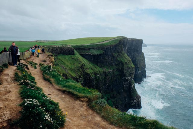 Drop off cliffs of moher