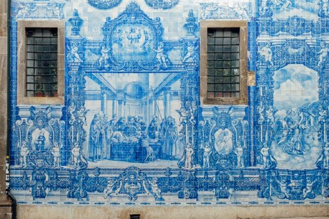 blue tiles in Porto