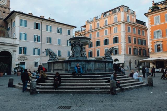 Piazza Santa Maria in Trastevere