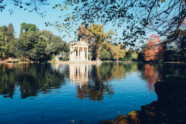 Lake in villa borghese