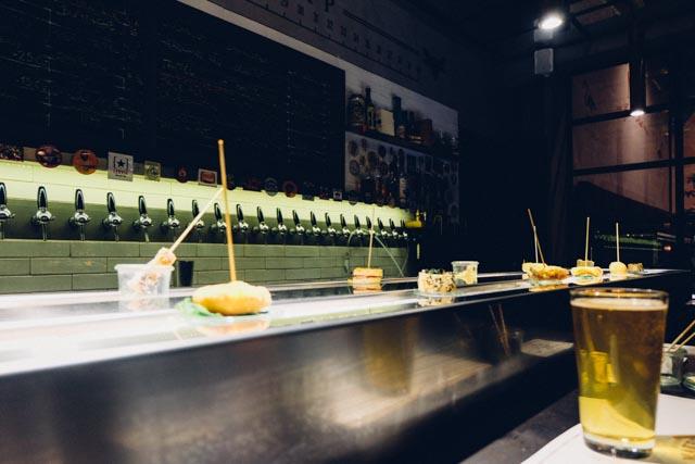 conveyor belt of food