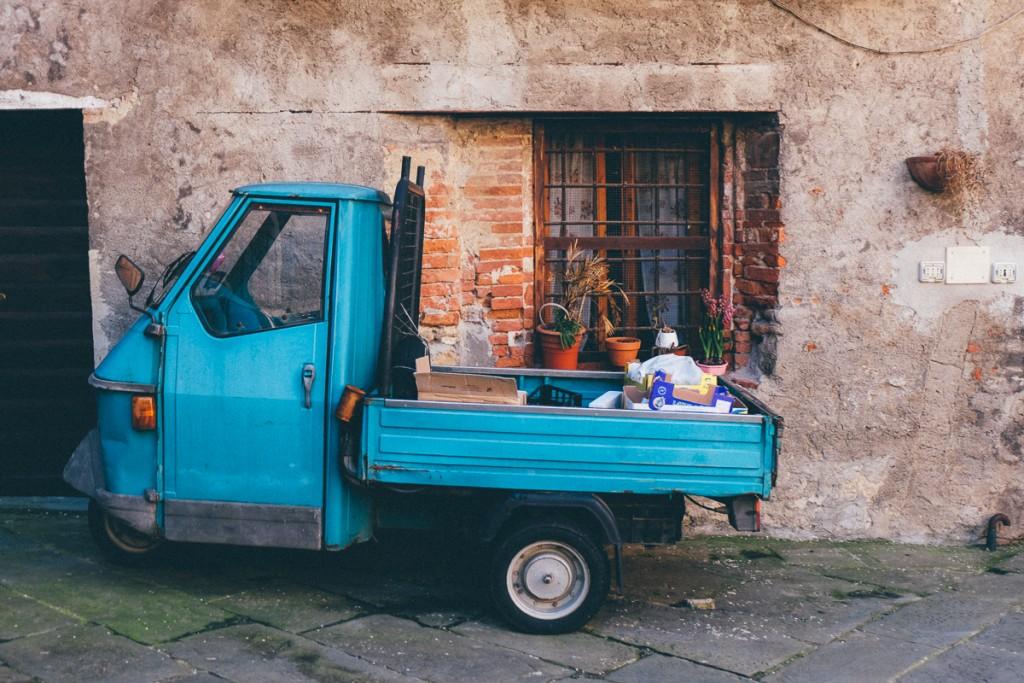 asciano italy ape truck