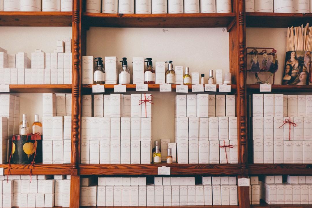 Essenzialmente laura perfume rome-2