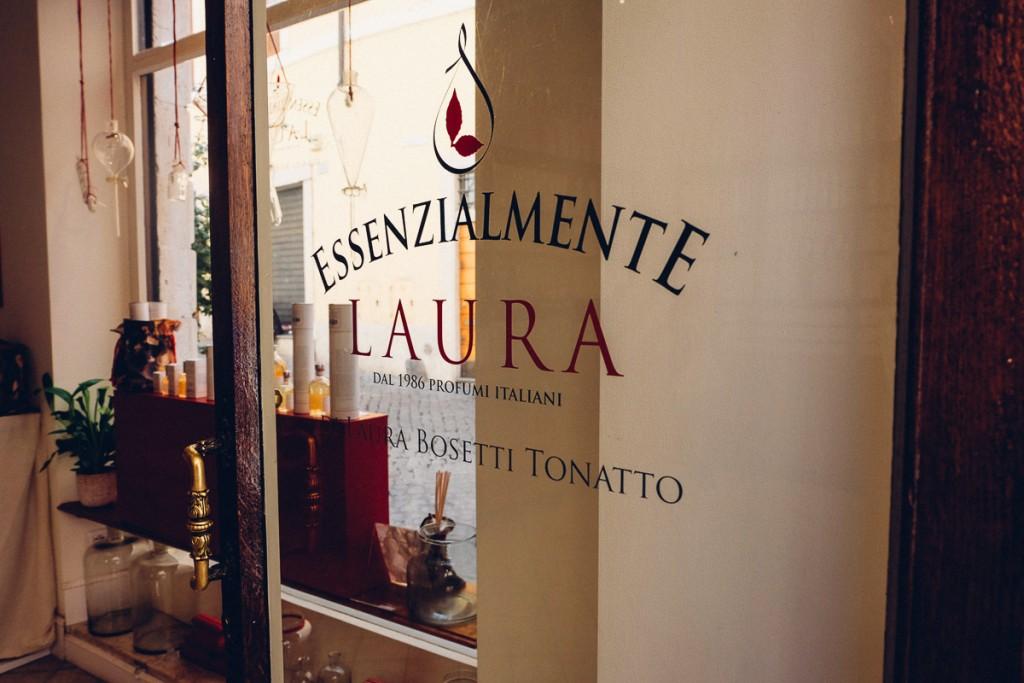 Essenzialmente laura perfume rome-5