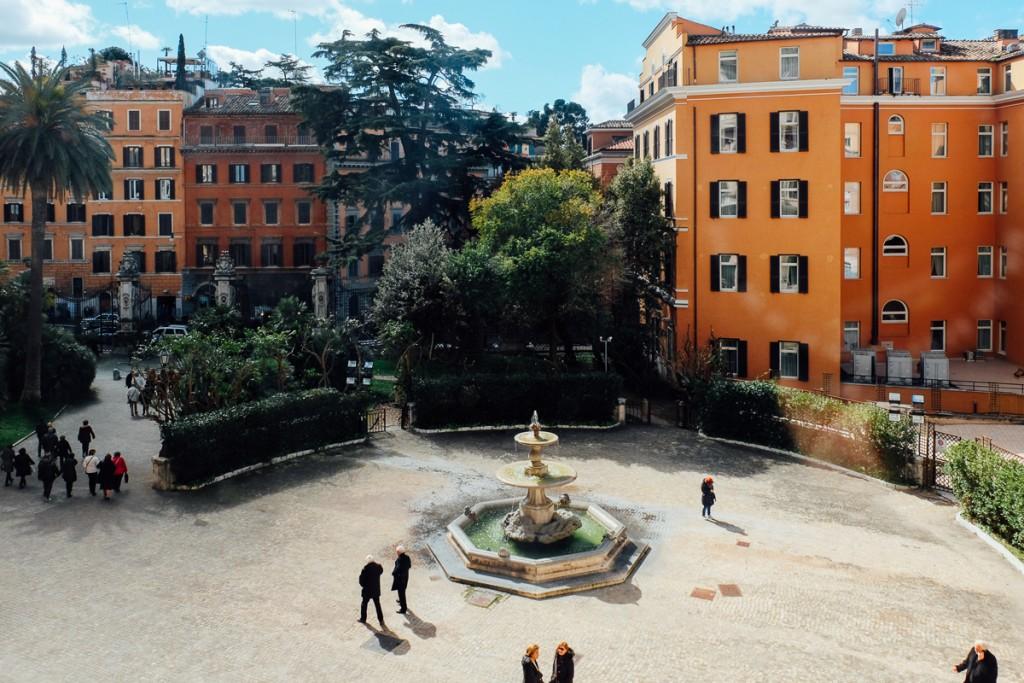palazzo barberini fountain