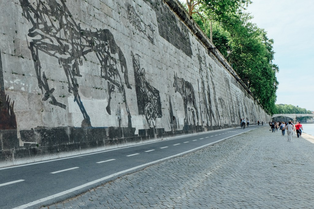 rome tiber street art