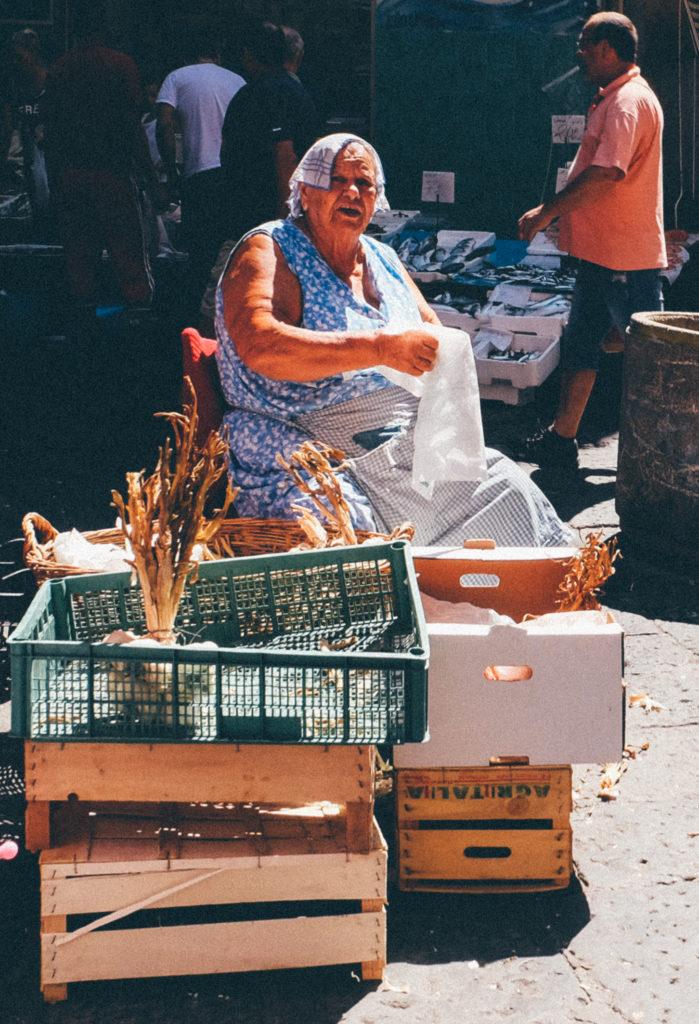 LaPignasecca street market Naples