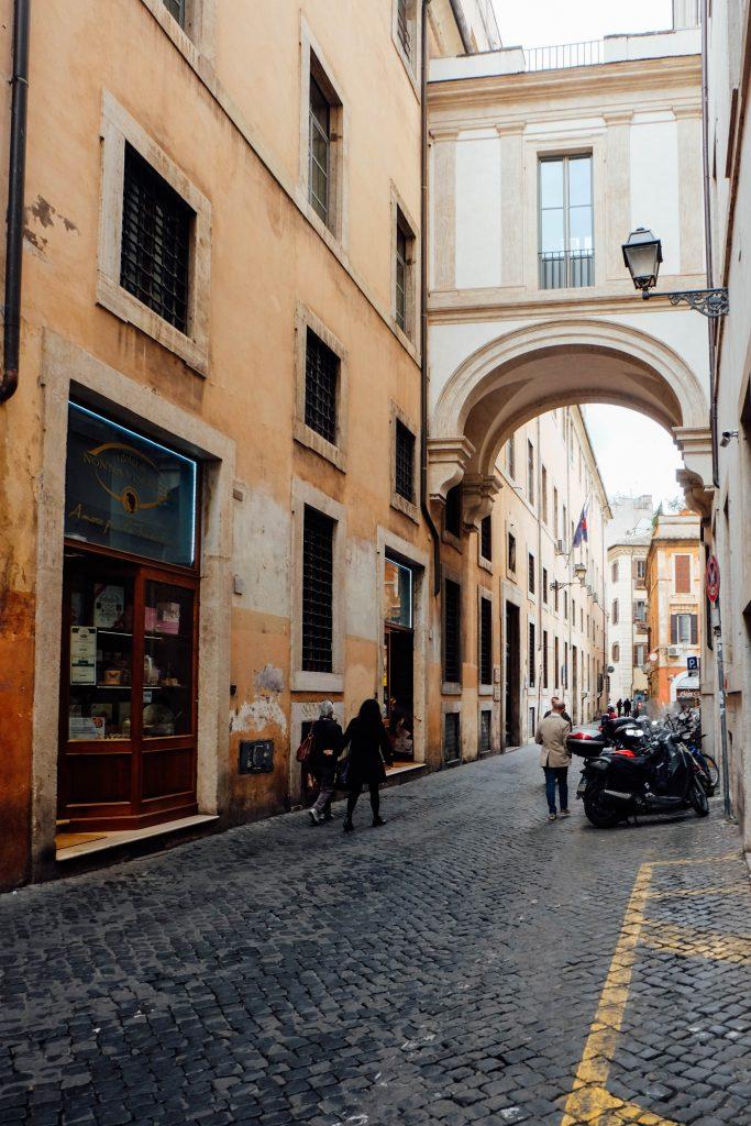 Arco del Monte Rome