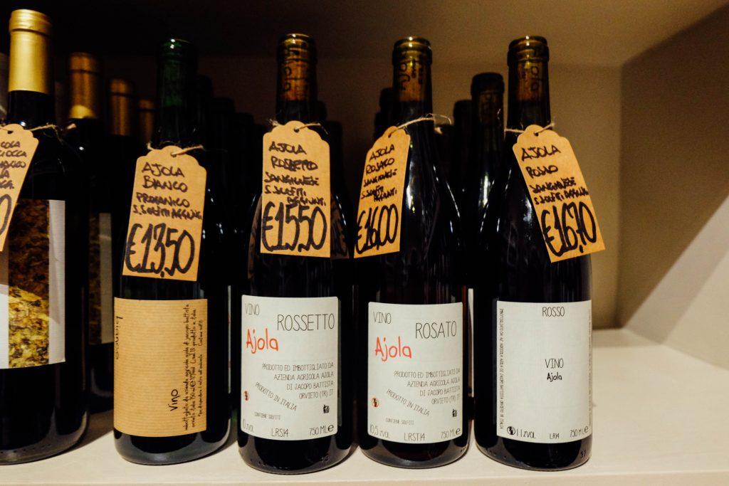 les vignerons wine shop in Rome