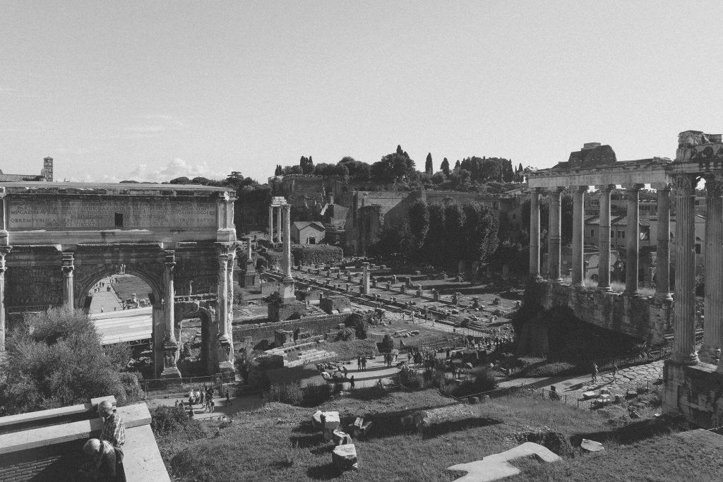 roman-forum-black-and-white-3