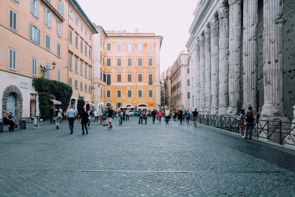 rome-cocktail-tour piazza pietra
