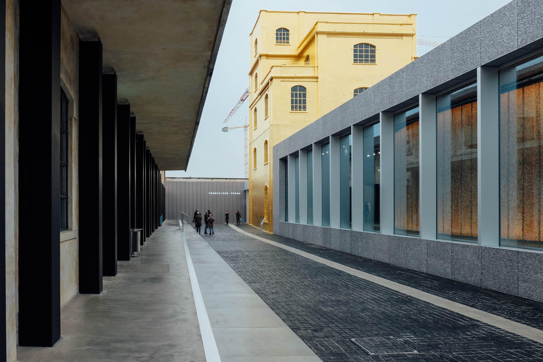Prada Milano Käsilaukku : Fondazione prada milano an american in rome