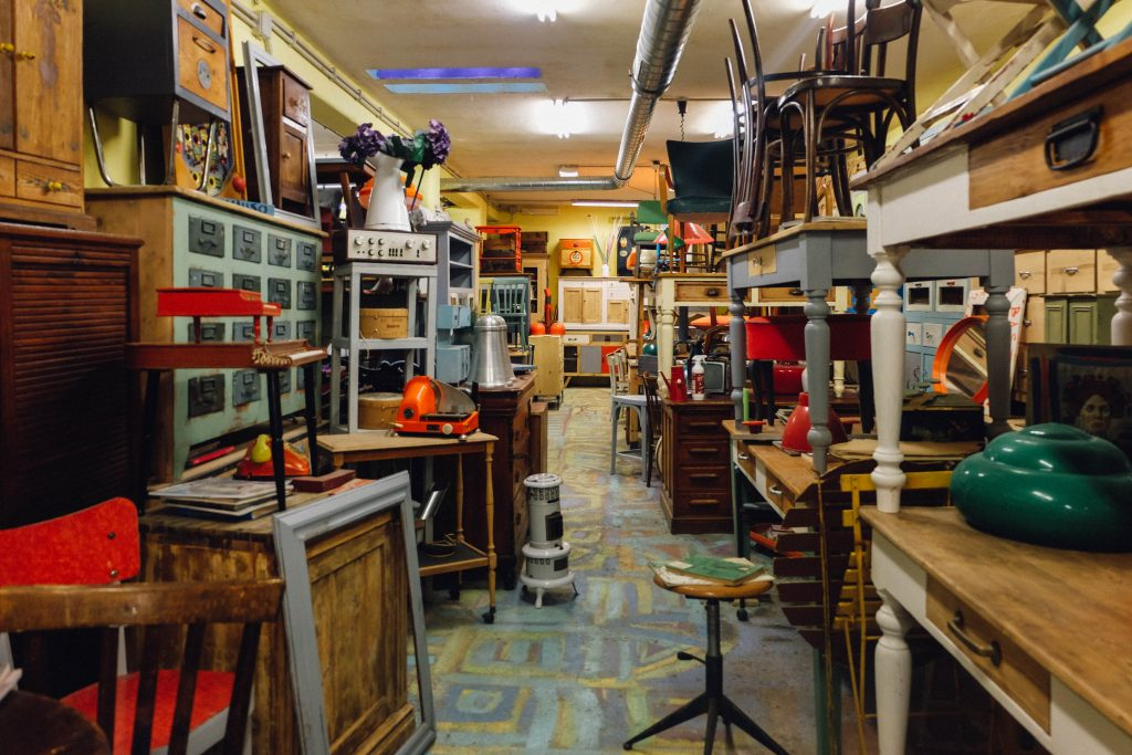 Binario 4: Vintage Furniture in Rome
