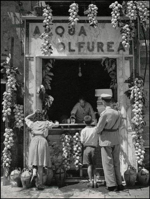 Herbert List ITALY. Naples. Lemonade Seller. 1949