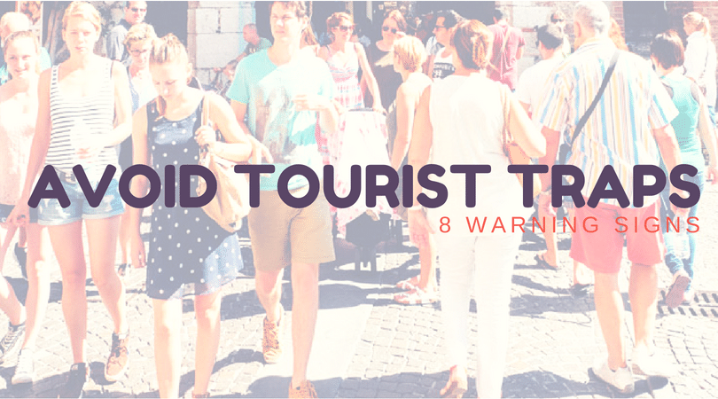 8 Signs You're Eating at a Tourist Trap