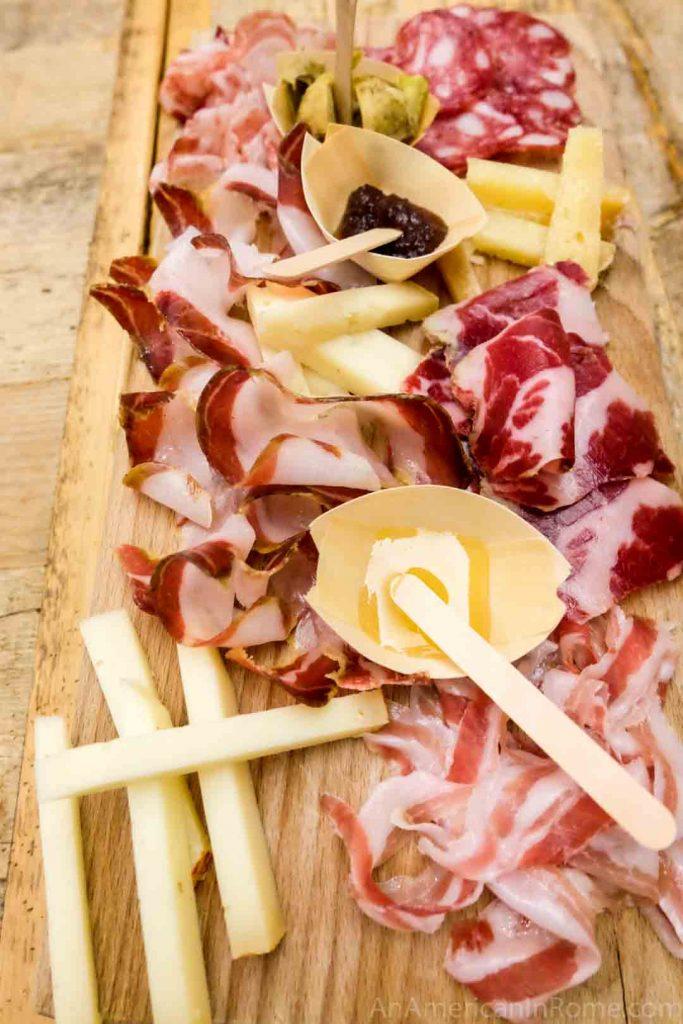 Bradi Toscani cinta sinese salami