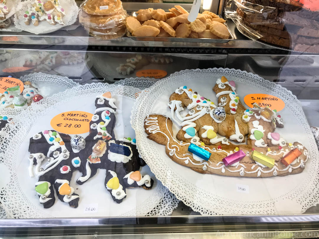 11 November is San Martino in Venice which is celebrated with parades of children and these traditional cookies