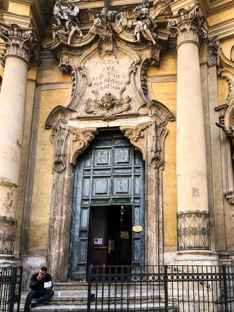 exterior of Santa Maria Maddalena near the Pantheon