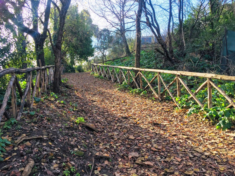 testaccio rome monte testaccio path