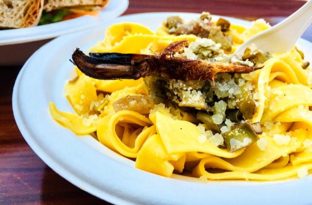 gricia pasta with artichokes