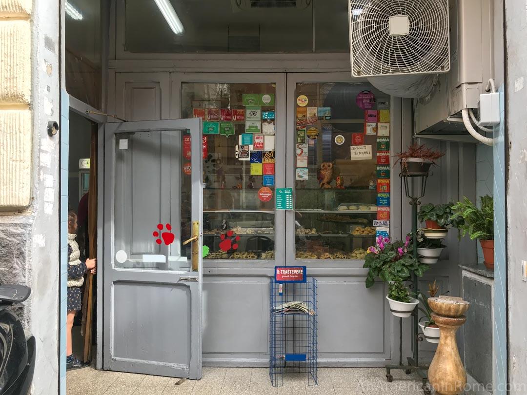 biscottificio innocenti entrance in Trastevere