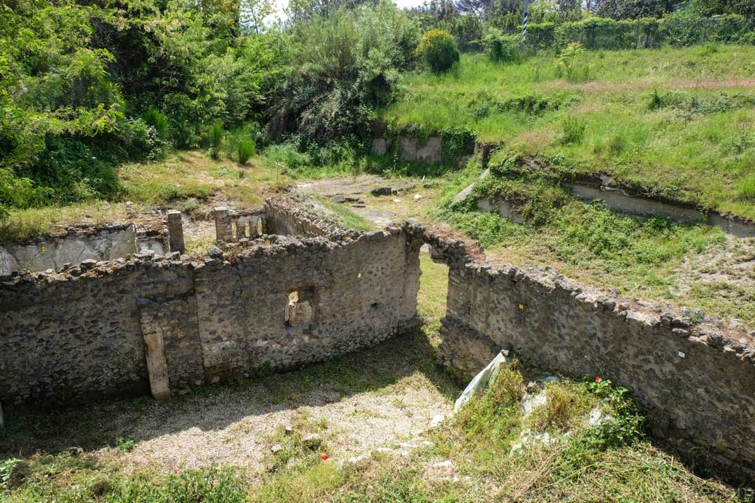 ruins near pompeii