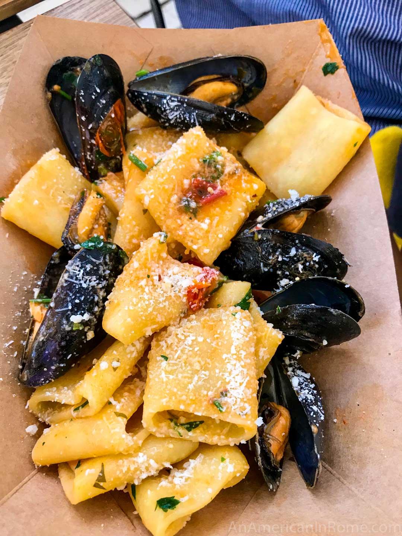 cozze e pecorino pasta with mussels