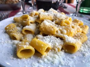 carbonara pasta with cheese in Rome