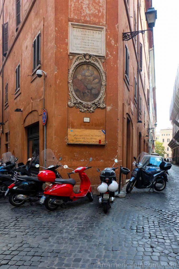 madonna in Rome on Via del Governo Vecchio