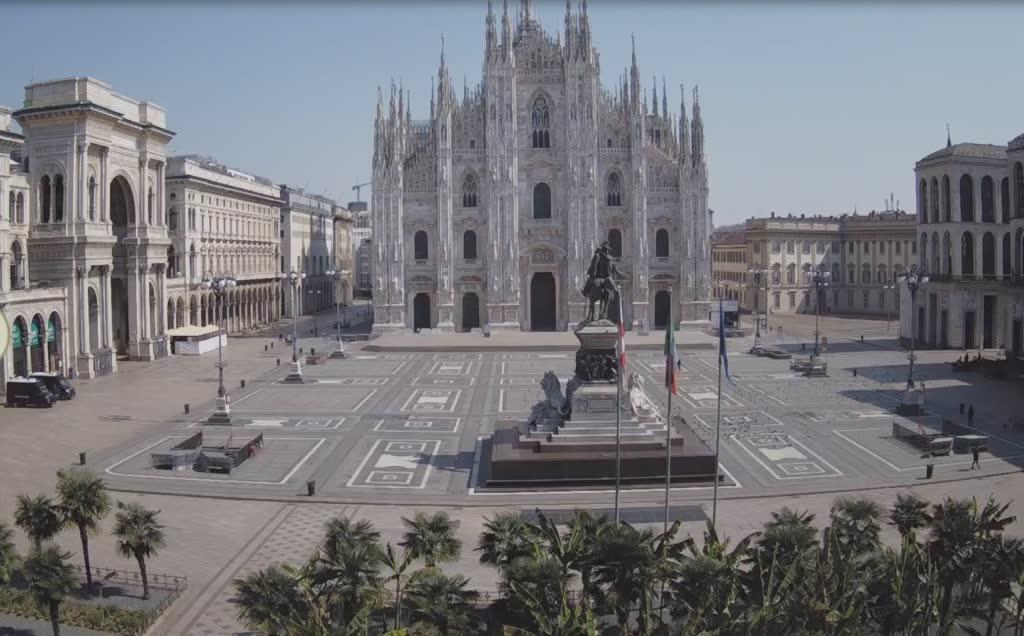 empty milan duomo square