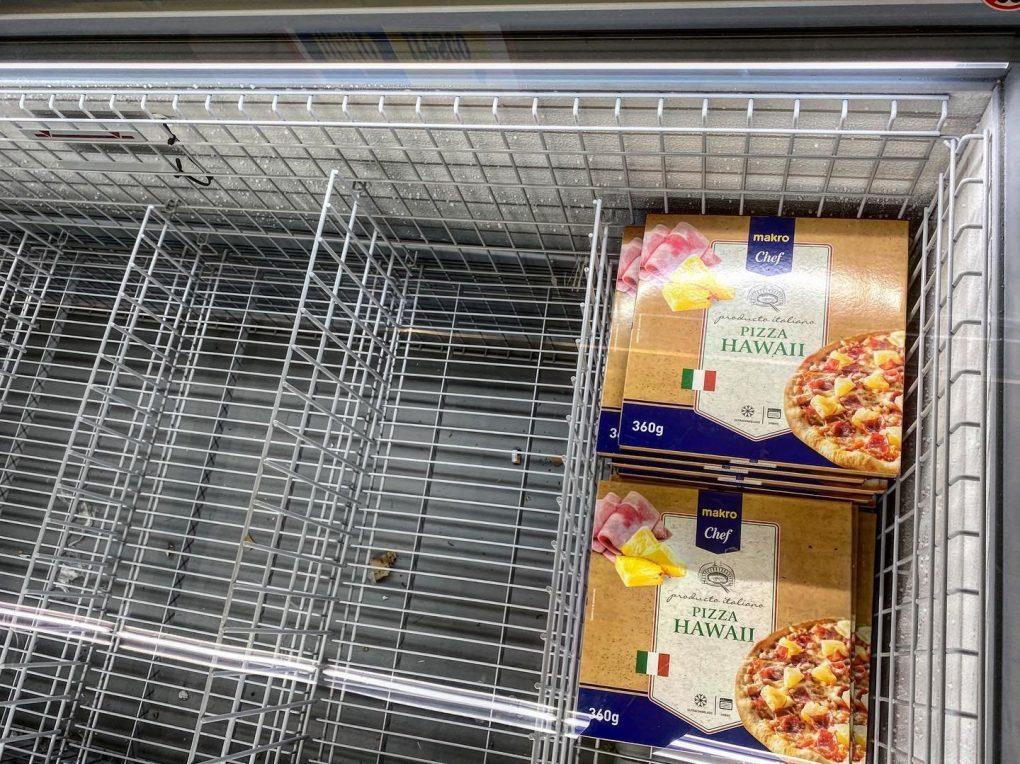 food shortage italy empty freezer